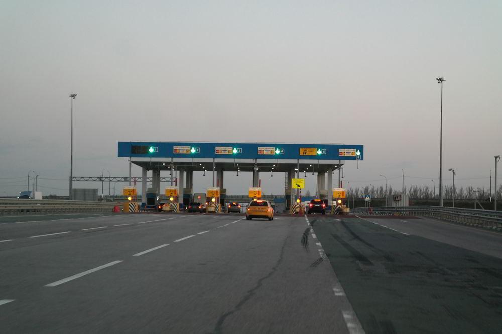 Пункт оплаты на трассе М4 Дон