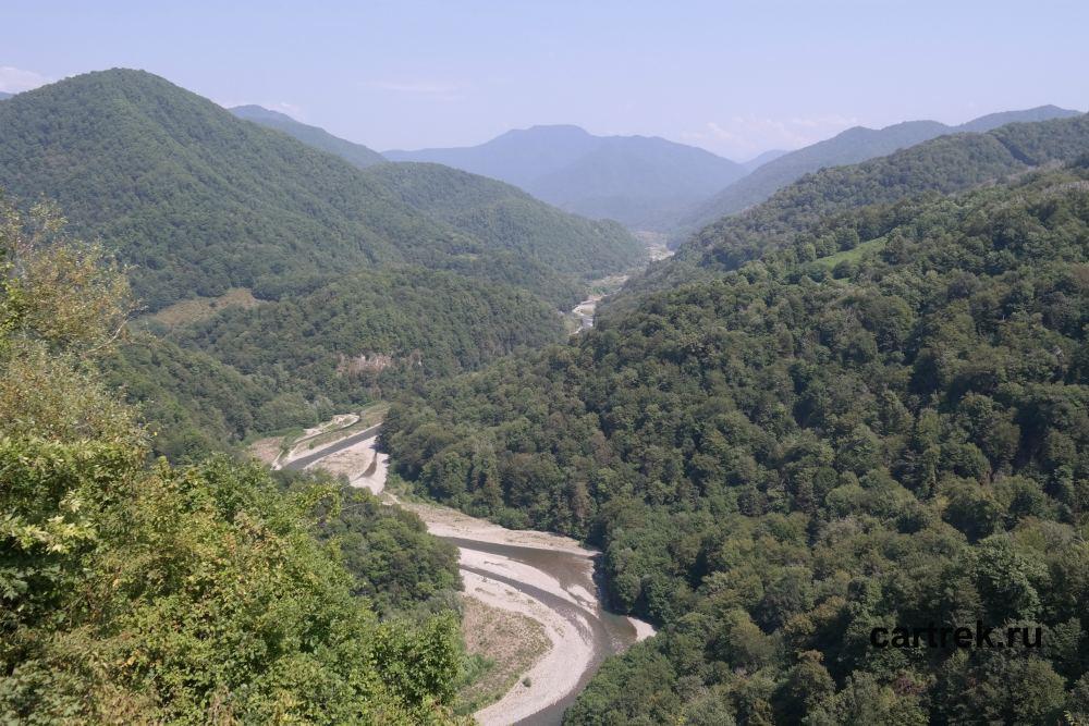 Вид на горы и Шахе